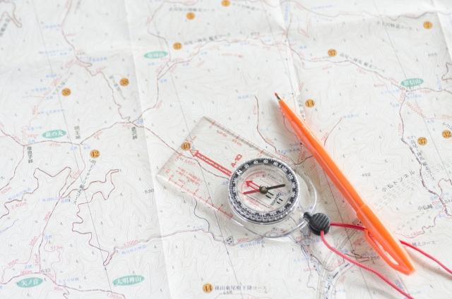 地図 コンパス